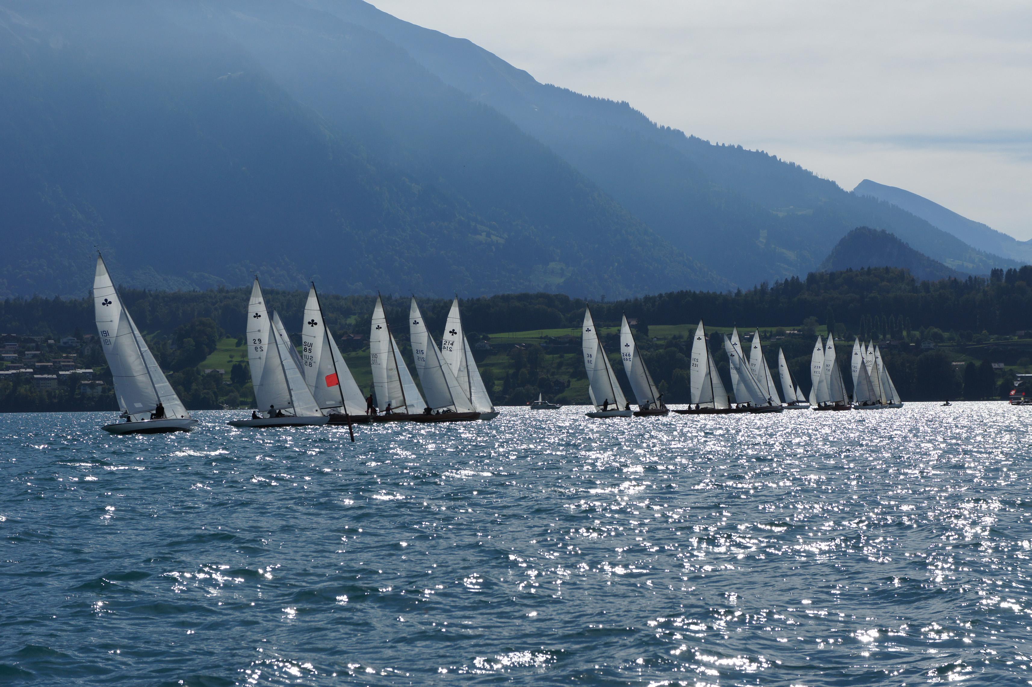 Startlinie an den Schweizermeisterschaften, Spiez 2013 (Foto © Yacht Club Spiez)