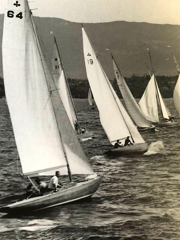 Lacustre 64, 57, 19 und 7 auf dem Genfersee, 1952. Foto Archives Copponex.
