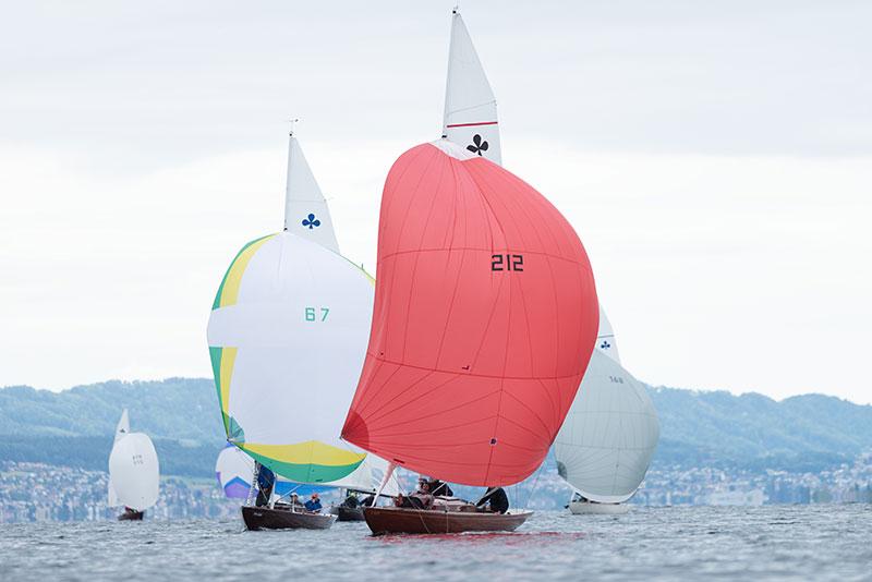 Spi-Kurs bzw. Spi-Kampf mit den zwei führenden Bodensee-Schiffen. Foto Jürg Kaufmann